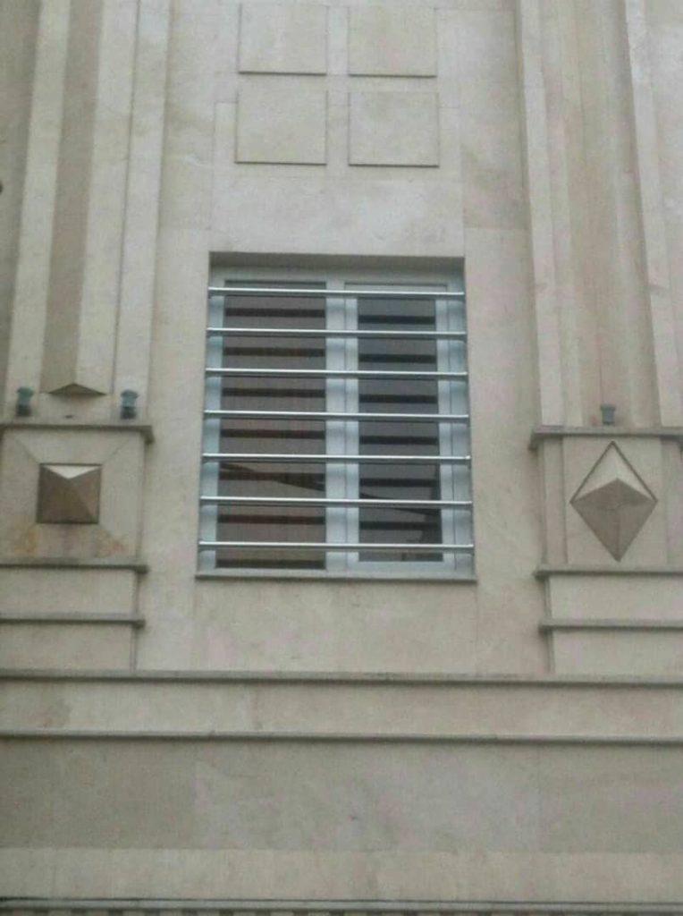 نصب نرده استیل پنجره