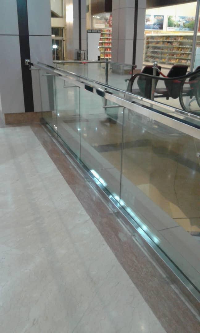 نرده استیل شیشه ای